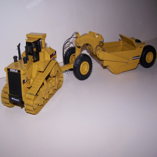 Cat D11R with 651 pull pan by Black Rat Models - Click Image to Close